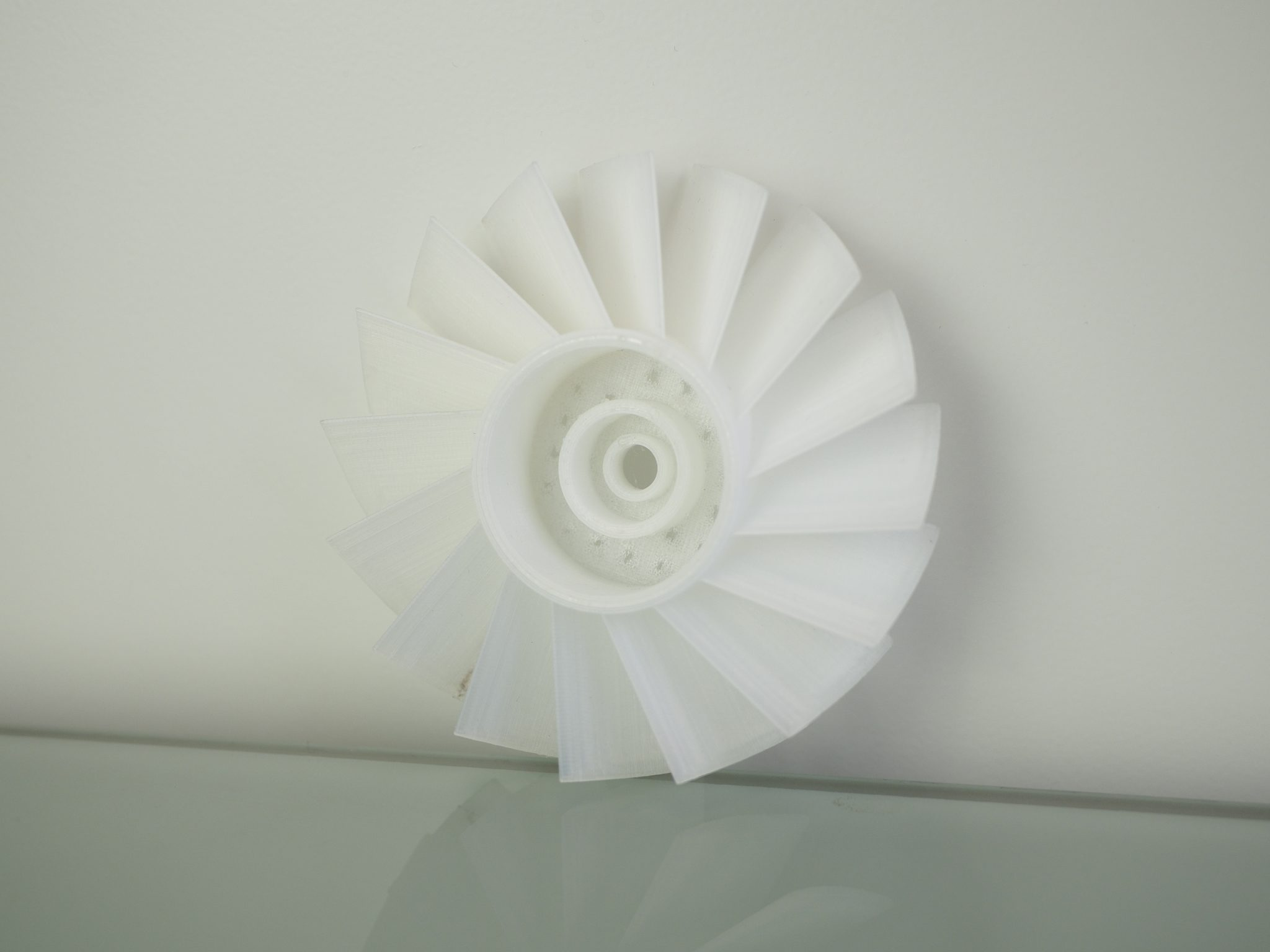 Test de turbine en nylon. Photo de l'industrie de l'impression 3D.